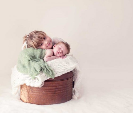 NEWBORN PHOTOGRAPHY BY KAPTURE PHOTOGRAPHY- A SESSION FILMED